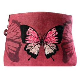 Красные бабочки